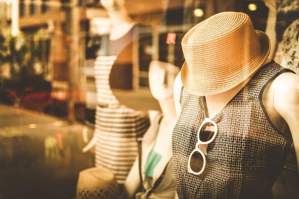 Mannequin fashion front of shop