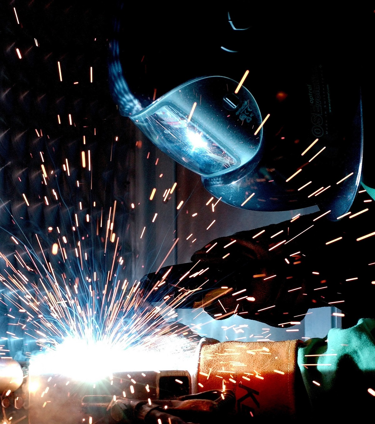 welder working in a construction site