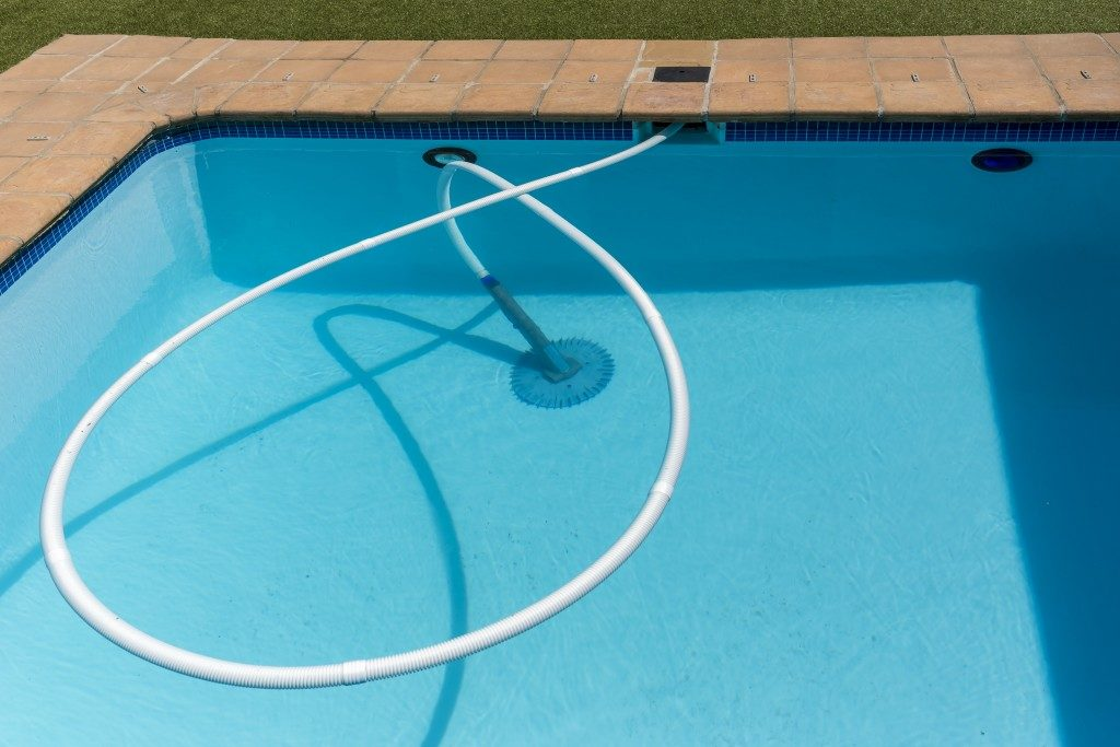 cleaning your pool in LA