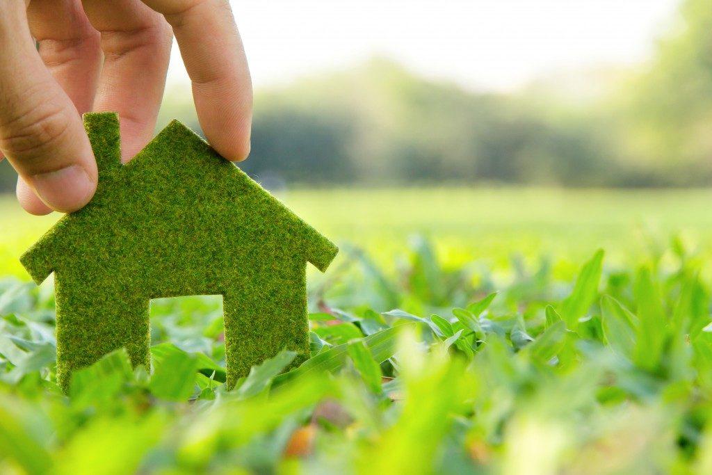 eco-friendly home symbol